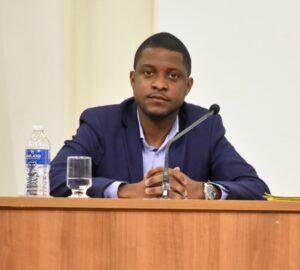 Fotografia do vereador Lucas Bob (PSB-MG) na Câmara Municipal de Congonhas